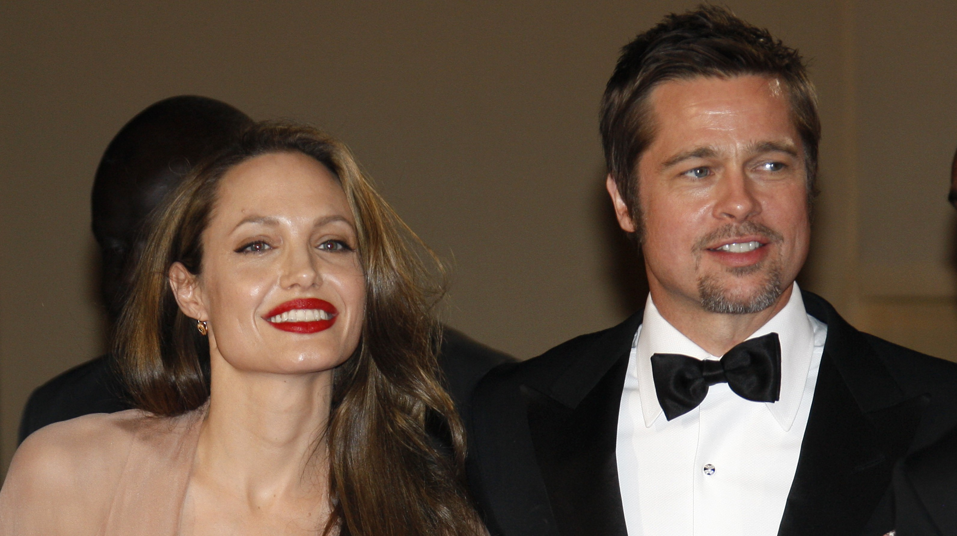 Angelina And Brad Marry On Christmas Day